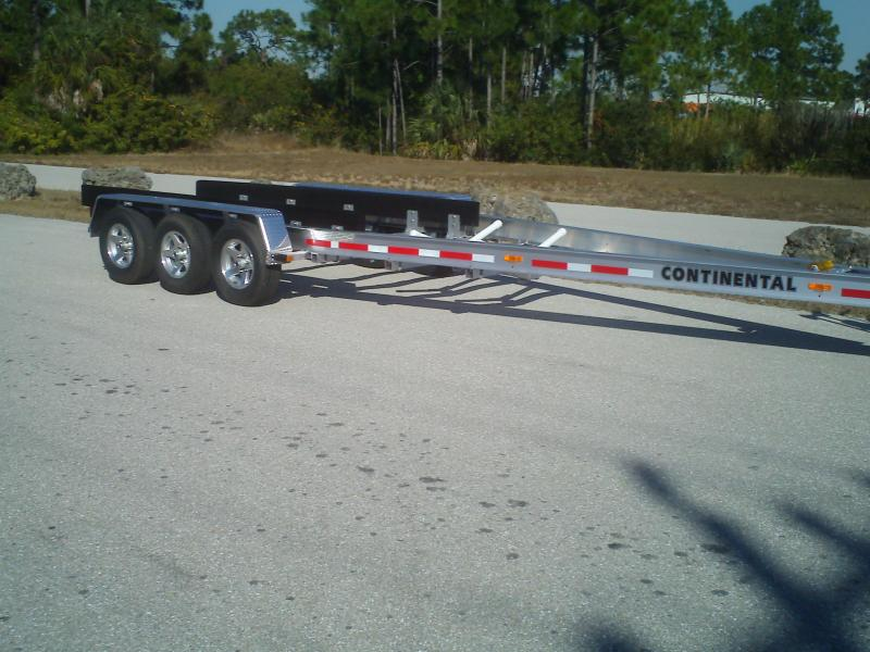 28' Foot Tri-Axle 12K pounds